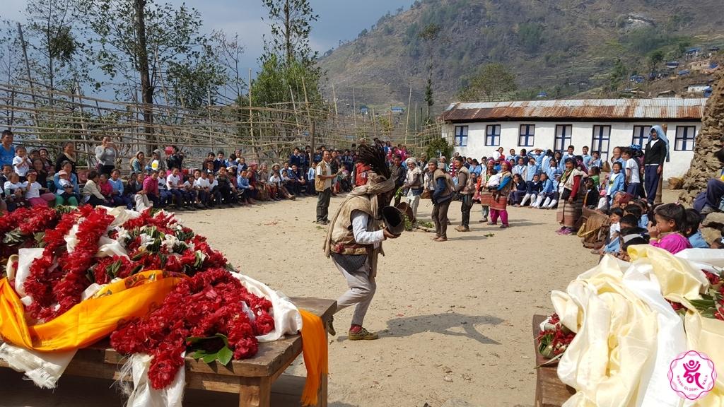 네팔 재건학교 - 2번째 축하공연 1024.jpg